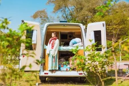 一招搞定房和车:女神的房车游记